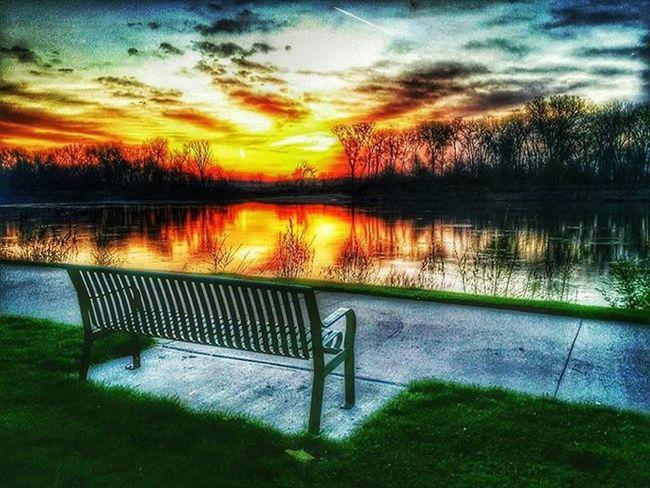The bench outside of the River Shack along the Missouri river......Ks_pride Atchison Wow_america_landscape World_bnw Worldwide Kansasmag Kansasphotographer Kansasphotos Fuckyeah Sunrisesandsunsetsaroundtheworld Sunrise_sunsets_aroundworld Kansasnature Morningrun Nikeplusrunning Nikeplus 5kadaykeepsthecrazysaway