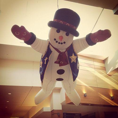 Frosty the Snowman. #christmas #jomo #iphoneography #wheatonmall IPhoneography Christmas Jomo Wheatonmall