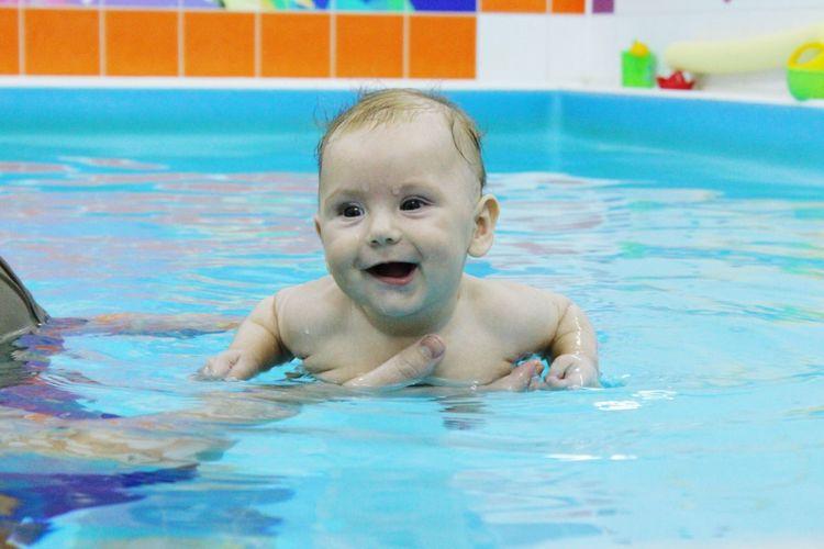 СЧАСТЬЕ плавание Swimming Pool ребенок Swimming Baby Babygirl
