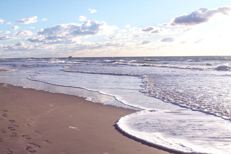 Sea Sea And Sky Seaside Winter Cold Italy Tuscany Toscana Italia Italian Place Sky And Sand First Eyeem Photo