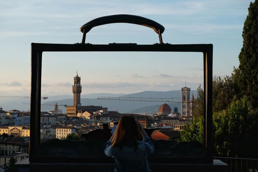 Framing Florence Folon Viewpoint Hillview Guardinodellerose Florence Bronze Sculpture Framed Taking Photos Young Woman TCPM Envision The Future Girl Power Miles Away The Great Outdoors - 2016 EyeEm Awards Fine Art Photography People And Places Enjoy The New Normal Embrace Urban Life Your Ticket To Europe Lost In The Landscape Colour Your Horizn