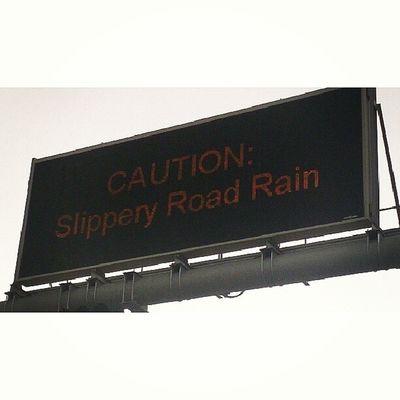 It's raining ? Jnon Riyadh Rain Woow sky by_me Amazing مطر الرياض السعوديه تصويري صور المطر اربع_قلوب ماشاء_الله سماء سبحان_الله جميل