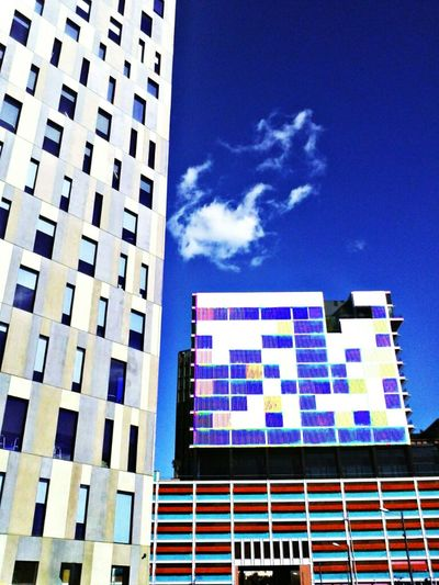Edificis Minimalistes del Districta @22 (BCN) Streetphotography Building Photo Barcelona Clouds And Sky Architecture