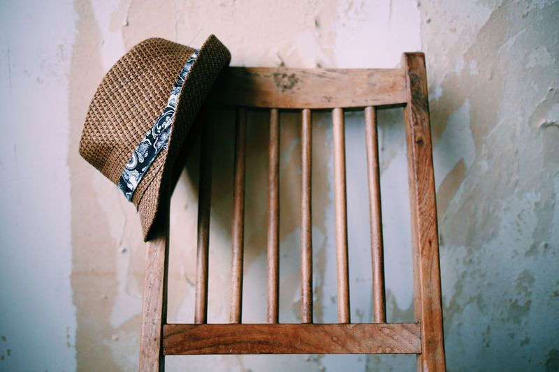 No People Day Outdoors Architecture Close-up Wooden Texture Still Life Still Life Photography Wooden Chair Background Hat Wallpapers Wall Art Backgrounds Handmade Strawhat Built Structure Home Interior Indoors  Wallpaper Fashion Conceptual Focus On Foreground Still