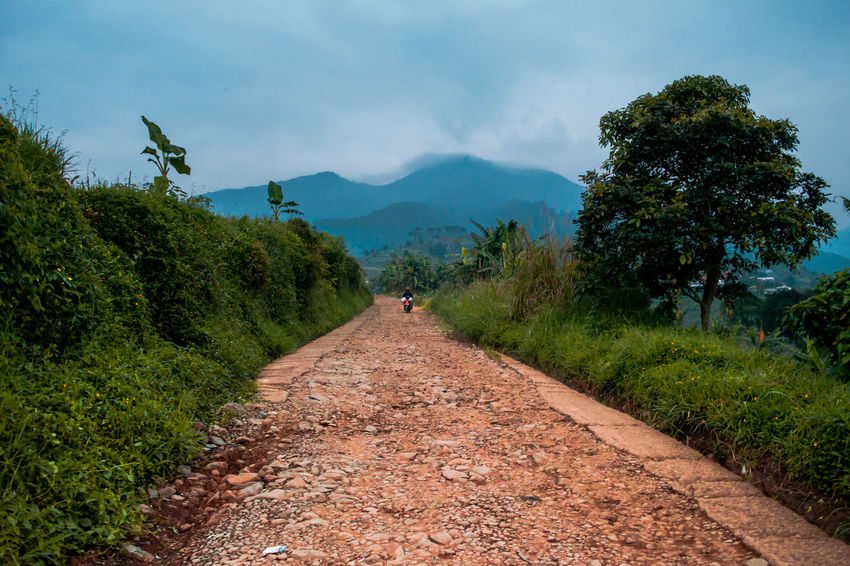 Moody Sky Nature Road Tranquility Travel View Beauty In Nature First Eyeem Photo Landscape Mountain Rural Scene Scenics Tranquil Scene Village Village View