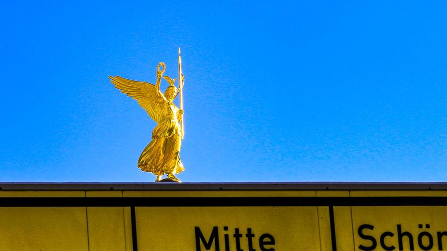 Siegessäule - Victory Column Berlin Siegessäule Berlin Straße Des 17. Juni Architecture Blue Clear Sky Day No People Outdoors Road Sign Sky Victory Column EyeEmNewHere