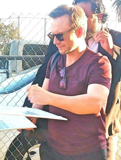 Christian Slater Christianslater Moviestar Movie Star Mr.Robot Mr. Robot True Bromance Signing Autographs Signing Autograph Seekers Autographs Autograph FanFriday Fans Mrrobot Mr Robot Celebrityphotography Celebrity Signature Signatureshots Signatures Sigs Autographing Fandom