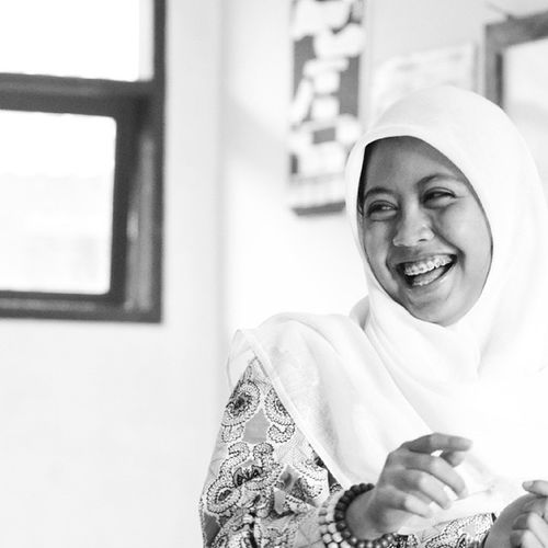 Girl Smile Playinggame Art photography photograph nikon nicepict lol lought school asian Fun Hello World Photography Bw Blackandwhite INDONESIA