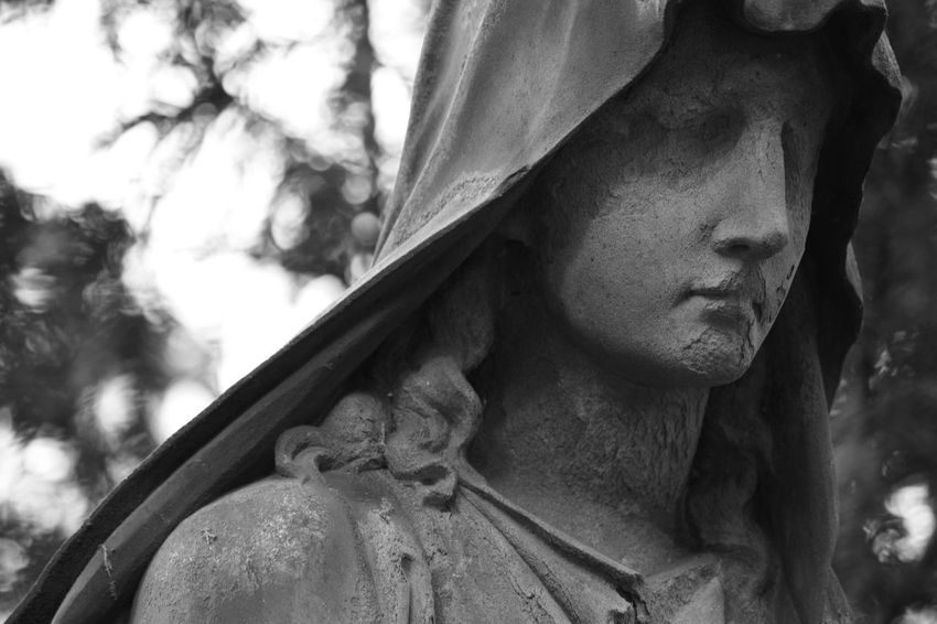 Art Graveyard Beauty Graveyard Tour Personal Perspective Focus On Foreground Art Photography Things Around Me Art Is Everywhere On Tour Christianity Evanescence Graveyard Surface Statues And Monuments Statue Mourning Card Card Design Black And White Photography Arts And Crafts Architectural Details While Walking Details Believe Love Hope Outdoors Photography Hope