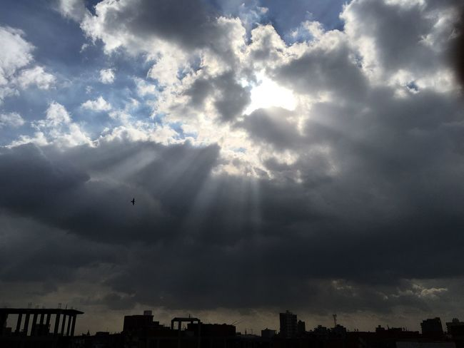 Capture Berlin Cloud - Sky Flying Freedom No People Outdoors Nature Sun Light Traveling Home For The Holidays