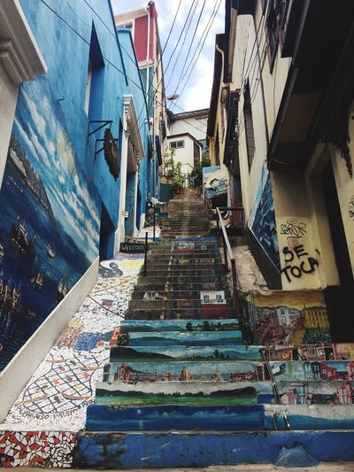 Ciudad Pintada I Graffiti Architecture Built Structure Staircase Building Exterior The Way Forward Steps And Staircases Day Wall - Building Feature Art And Craft Low Angle View Decoration Pattern