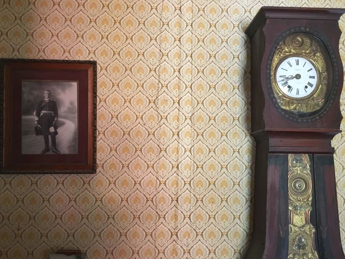 Family héritage... Vintage Old-fashioned Oldstyle Clock Oldpicture Inthepast Wallpaper