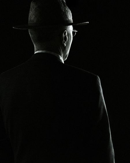 Man with hat People And Places Dark Black Background Week On Eyeem Eyeemphoto Observing Portrait Portrait Photography Portrait Of A Man  Portraits Light In The Darkness Lights In The Dark Blackandwhite Black & White Blackandwhite Photography Black And White Collection  BW_photography Bw_portraits BW Collection Silhouette Minimal Portrait Light And Darkness  Atmospheric Mood Fine Art Photography Monochrome Photography Welcome To Black Black And White Friday