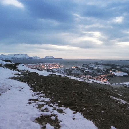 En la cima Norge Noruega Norway Bodø Landscape Snø Sky Night Anochecer Azudensesviajeros Ilovenorway Jegelskernorge