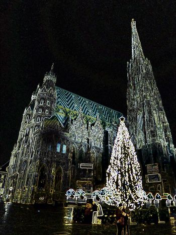 Illuminated Stephansdom Wien In The Backround Beauty In December😍 For My Friends 😍😘🎁 Vienna's Calling😍😎 I'm A Edit-maniac😄😍 Enjoing Life Expression Artistique Christmas Lights Cold Temperature Night Christmas Decoration Celebrate The Moment 'cause The Moment Is Your Life Tranquility Perfect Day With A Friend Travel Destinations nightshot
