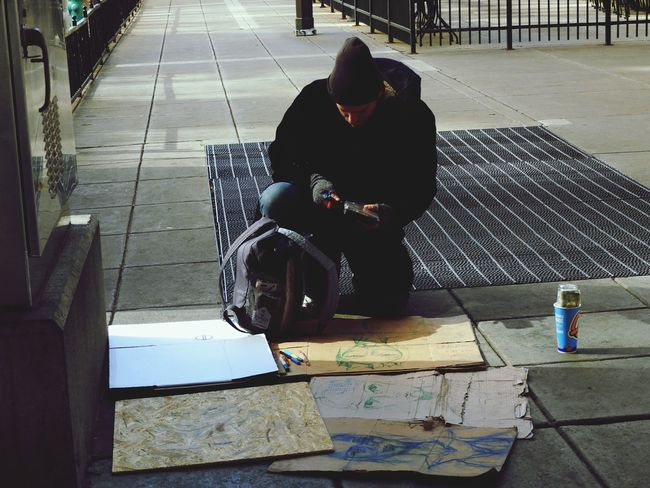 Social Issues Street Art/Graffiti Streetartist Street Portrait Autentic Moments Streetartists Street Artist Indianapolis, IN Indianapolis  Travel City Life The Week Of Eyeem Miles Away The City Light Travel Photography Uniqueness EyeEmNewHere EyeEm Best Shots Lieblingsteil The Week On Eyem The Week On EyeEem Traveling City EyeEm Close-up Homeless People Street Artists