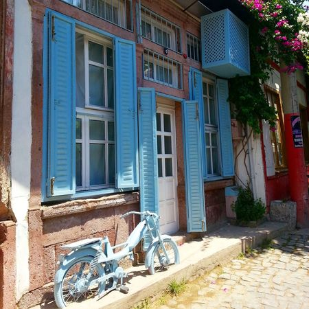 Backround Streets / Ayvalık Turkey Blue Bike . Ayvalik 🐚🐳🐬🏊 Street Bike Blue