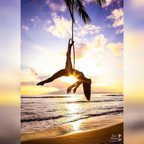 Just hangin around Beautifulgirls Beautiful Maui Hawaii Bliss Sunset Lyra Hooping  Hooper Hoop Love Tropical Goddesses Freethegoddess Amazing Befree BeCreative Youonlyliveonce Mauiphotography Mauinokaoi Beach Flo Flow  Flowarts Circus circusfreak circuslife gravity