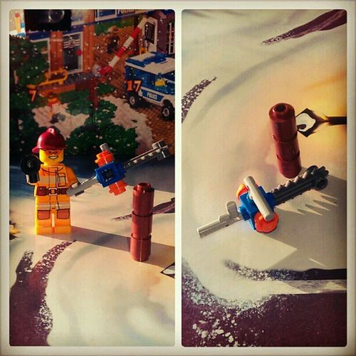 Advent day 2....a chainsaw and a log Mycamerastories Legoadventcalender LEGO Christmas crimbo chainsaw log ilovelego day2 weemannie