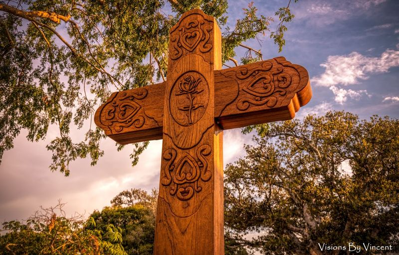 Wood Cross California Godscreation God's Beauty Losangeles EyeEm Selects Vibrant Color Vibrant Hostorical Place Historical Tree Statue Day Sculpture No People Outdoors