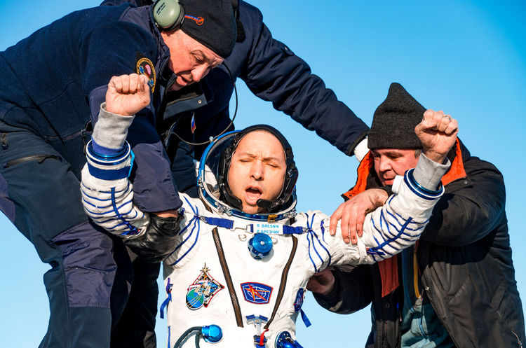 Randolph James Bresnik, astronaut Astronaut Rescue Astronauts  Cominghome Comeback Souzms05 Souz Ms 05 Space Space Craft Spacecraft Souz People Men Togetherness