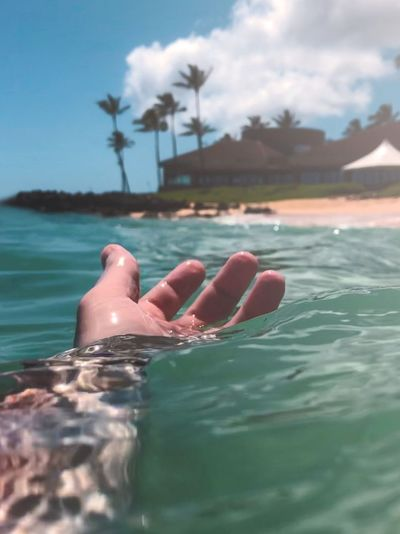 Contact Wave Ocean Travel Palm Hawaii Water One Person Human Body Part Nature Sky Body Part Cloud - Sky Sea Lifestyles Leisure Activity Swimming Holiday Relaxation Women