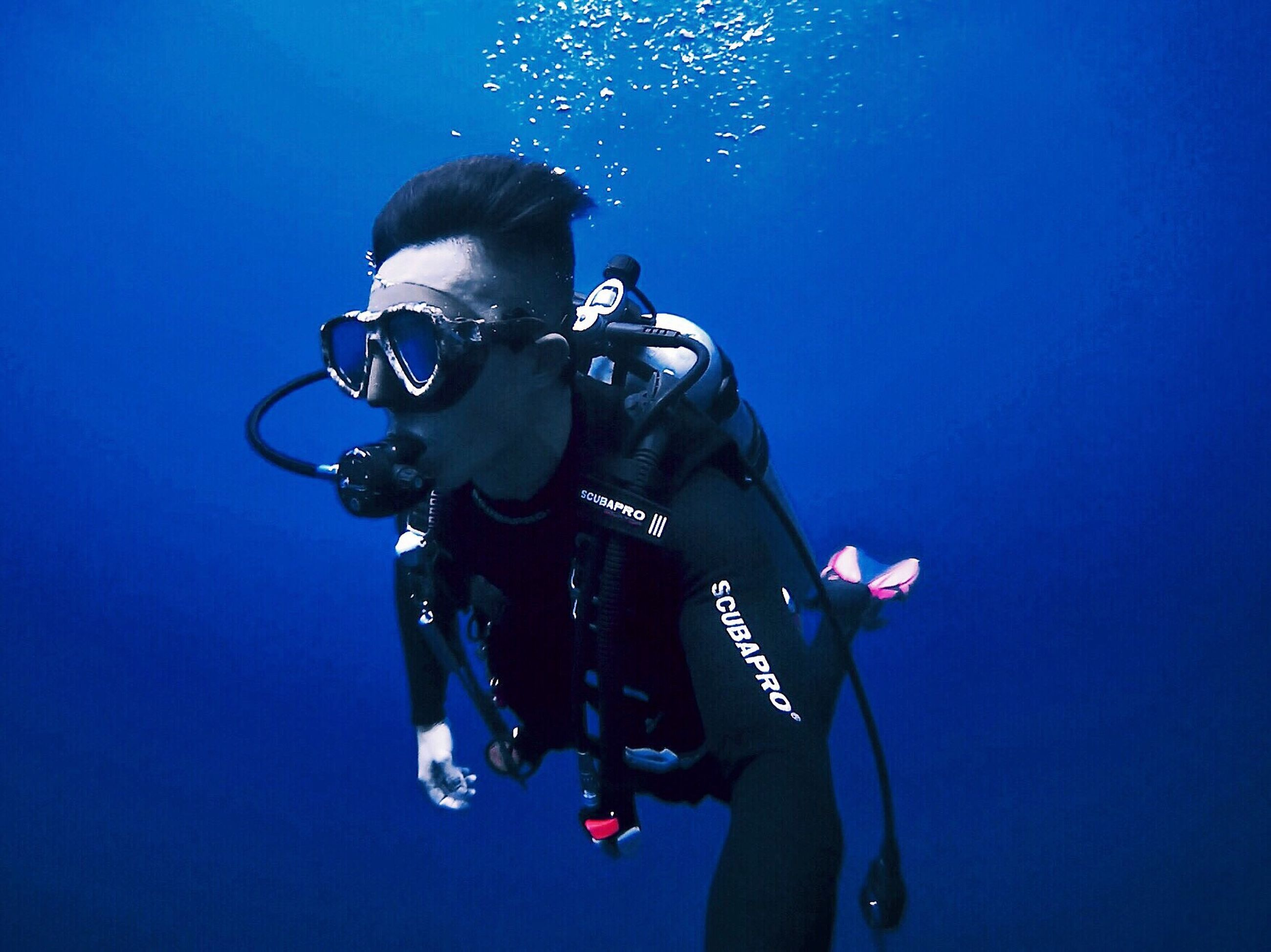 blue, only men, scuba diving, underwater, skill, people, men, real people, adults only, adult, young adult, monopod, undersea, outdoors, day