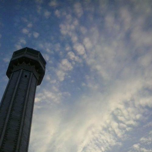 eyasliti جامع عمر بن عبد العزيز Khaznadar Sky Clouds Picoftheday no_filtre no_effects instagood instamoment
