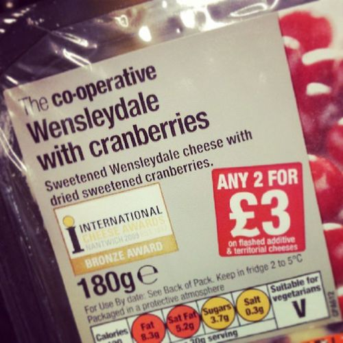 Discuss Wensleydale avec Cranberries Cheese ILoveCheeseSoMuchSometimesICryWhenImEatingIt
