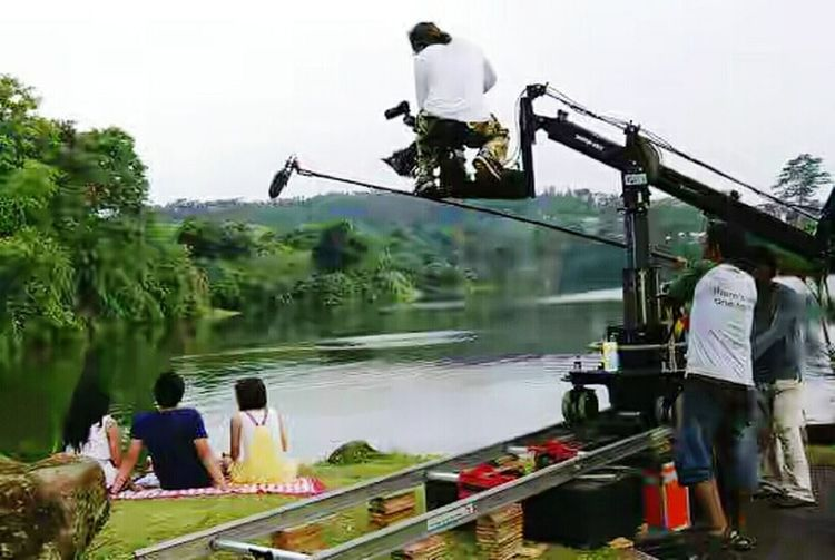 Shooting Day Movie Set Entertainment Lake View Men Transportation Person Water Leisure Activity Tree Lifestyles Togetherness Vacations Enjoyment Mode Of Transport Travel Destinations Weekend Activities Tourist Teamwork Tourism Spectator Cloud - Sky Spraying Occupation
