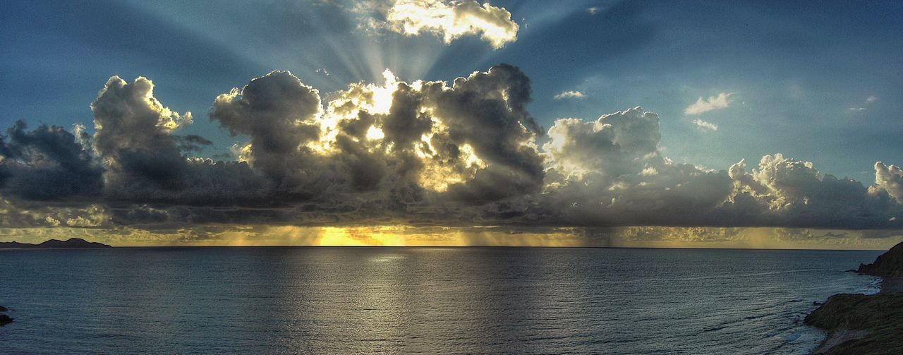 Water_collection Clouds And Water Landscape_Collection Nature_collection Water Reflection Clouds And Sky Cloud_collection  Sky Beauty In Nature Sunset_collection Naturephotography Reflection_collection Sunset View. Sunset And Clouds  Carribean