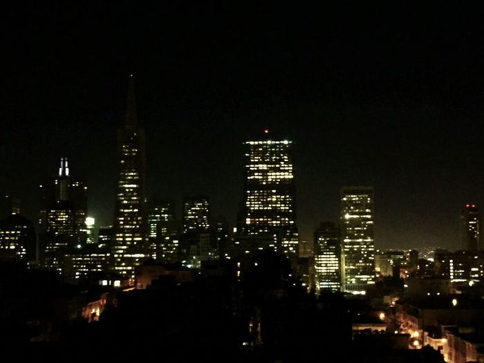 The City @ night. Looking out from up telegraph hill, not quite all the way up to coit tower..damn, this pic really makes me miss my iPhone 6. Both of them..And their camera that takes not too terribly bad night pics. StupidpieceofjunkHTC'desire'eventhonoonewithhalfabrainwouldactuallydesirethisphone..UGH!! A View We Could Totally Make Out To 😙 While You Were Sleeping Coit Tower IPhoneography City At Night Transamerica Pyramid Iphone 6