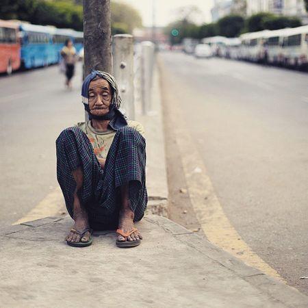Oldman Portrait Humaninyangon homeless poor igersburmeseigers igersmyanmar asiageographic yangonbyphone street picoftheday photooftheday photooftheweek instaphotography everdayasia yangon burma myanmar The Street Photographer - 2017 EyeEm Awards