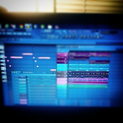 TakinFlight on this track..iont make beats, boaa..I'm makin WHOLE Instrumentals my nigga Fym GotEmForTheLow