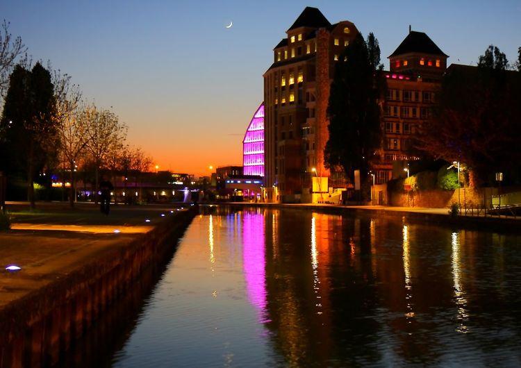 Paris, France  Canal De La Villette, Paris - FRANCE - Perspectives Urban Geometry Architecture Urbanisation Entre Ombre Et Lumiere Lumière Du Soir Crépuscule Ambiance Du Soir HUAWEI Photo Award: After Dark #urbanana: The Urban Playground EyeEmNewHere