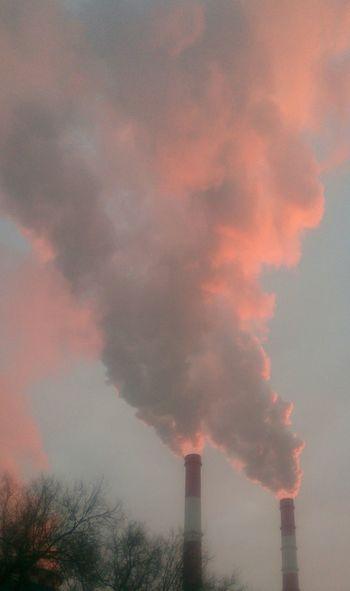 Утренние трубы. Morning утро дым небо Industry Smoke Stack Chimney Global Warming Social Issues Smoke Power Station