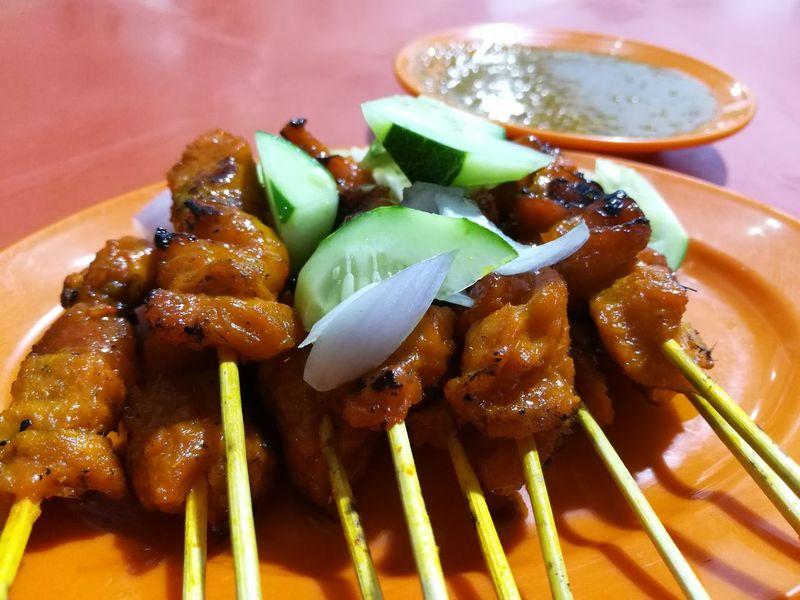 Dinner Hawker Food Street Food Satay Huaweiphotography Huawei HuaweiP9 Malaysian Food Foodporn Foodphotography Foodlover Sataychicken Localfood