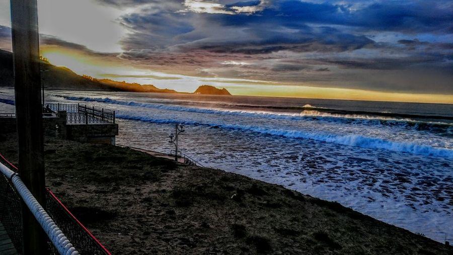 que bello eres zarauz #zarauz #atardecer #mar