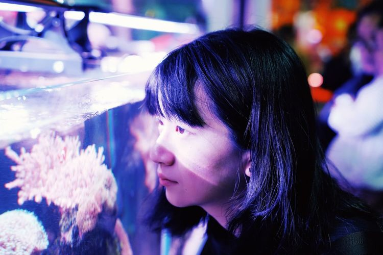 The Shape Of Water Water Aquarium ThatsMe Portrait Portrait Focus On Foreground Headshot Lifestyles One Person Real People Leisure Activity