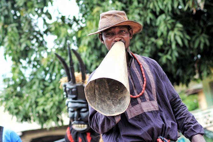 praise singers Noisemaker Town Cryer Announcer Tree Hat Sun Hat Walking Cane