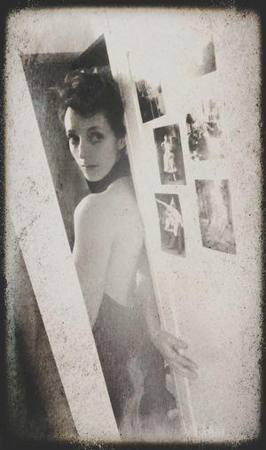Selfportrait J'aime Bien Me Faire Mon Cinéma Black And White Collection