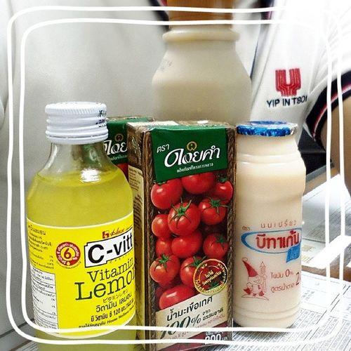 ตุนเสบียงเรียงร้อย เพราะออฟฟิตใกล้7-11 น้ำมะเขือเทศ ดอยคำ วิตามินเลมอน C -vitt นมเปรี้ยว บีทาเก้น นมรสกาแฟ ซีพีเมจิ