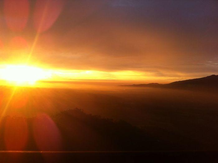 ADVENTURER EXTRAORDINAIRE Nature Skygazer Sun Sunset Tranquility Wanderer