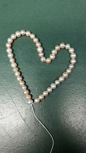 Love Romance Heart Shape Jewelry Still Life Connection Ideas Creativity No People Structure Homemade Kunst Pearl Perlen Herz Love Romance Heart Shape Jewelry Still Life Connection Ideas Kette Perlenkette