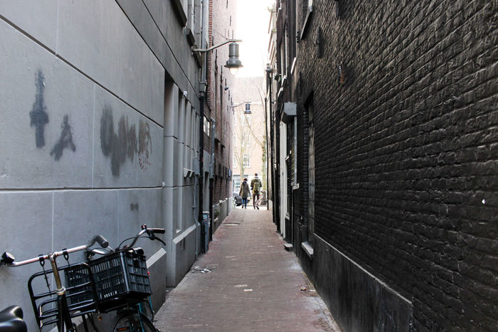Alleyway in the centre of Amsterdam Amsterdam Dodgy  Netherlands Alley Alleyway Amsterdamcity Architecture Black And White City Citylife Contrast Day Daylight People The Way Forward Walkway