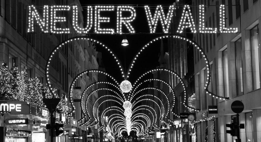 Neuer Wall at christmas Alster Architecture Blackandwhite Building Built Structure Buisness Christmas City City Hamburg Lights Neuer Wall Rich Schwarzweiß Shopping Stores Winter