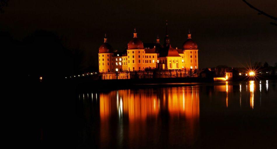 Aschenbrödel Popelka Sachsen Germany Deutschland Drei Hasselnüsse Dresden Moritzburg  Moritzburg Castle Night Reflection Illuminated Water Built Structure Architecture Building Exterior