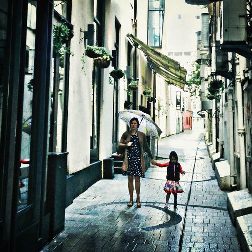 Missing cork Mother & Daughter Family Streetphotography StreetsWithPeople