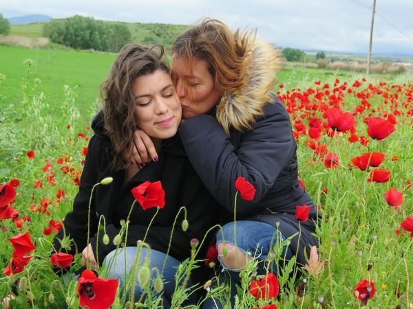 Two People Flower Plant Women Beauty Adult Love Field Nature Togetherness Adults Only Knitted  Young Women Outdoors People Beautiful Woman Beauty In Nature Smile Popies Nature Beautiful People Growth Poppy Kiss Family