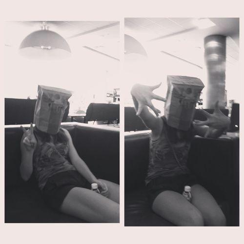фотография о том как круто ходить с пакетом на голове